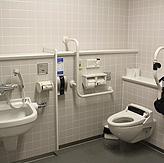 トイレ多目的